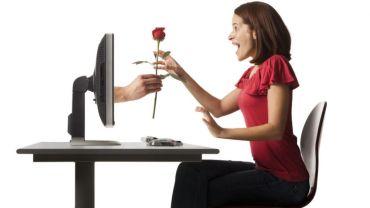 – Jeg har intime chatter med en kollega, men det har ikke skjedd noe fysisk. Er jeg utro?